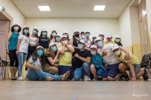 Foto di gruppo con bambini ed operatori Esate insieme 202